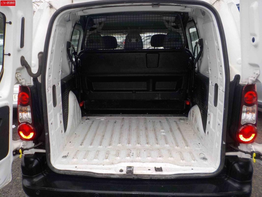 citroen berlingo cabine approfondie confort cab 21 l2 hdi 90 fap 2014 diesel occasion rh ne 69. Black Bedroom Furniture Sets. Home Design Ideas